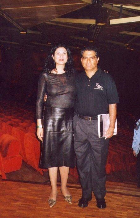 Fabiola con Deepak Chopra Parigi 2002